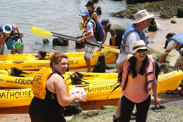 Participants enjoy a kayaking event at Stuyvesant Cove Park held in June. Photo by Marisa Buxbaum/Solar One
