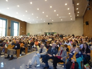 Tenants pack a meeting on MCIs, held at the Simon Baruch Middle School auditorium last fall. (Photo by Sabina Mollot)