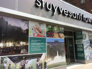 Stuyvesant Town leasing office (Photo by Sabina Mollot)