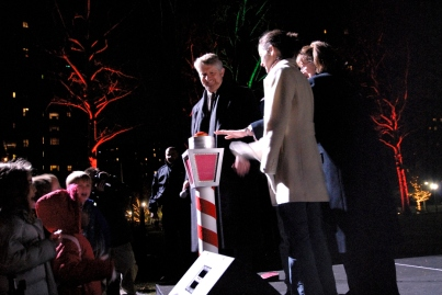 ST/PCV general manager Steve Stadmeyer at the tree lighting in 2006.