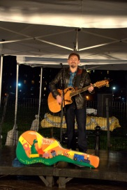 Live music was played at this year's menorah lighting. (Photo by Michelle Lee Photography)