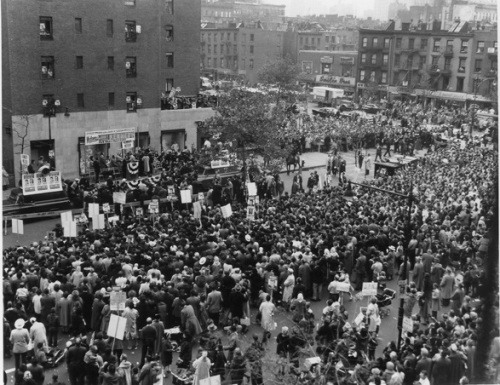 JFK crowd at 1st ave