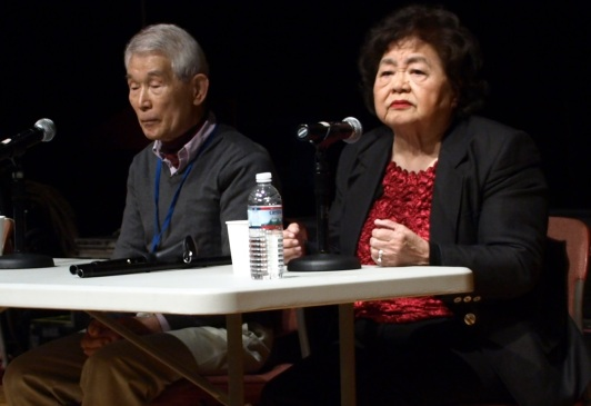 Yasuaki Yamashita from Nagasaki and Setsuko Thurlow from Hiroshima discuss their experiences when the bomb hit their cities. (Photo by Maria Rocha-Buschel)