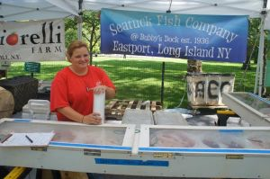 Ashley Edington of Seatuck Fish Company in Stuyvesant Town (Photo by Kaley Pillinger)