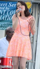 Vocalist Jamie Rae at John Colianni's first concert this season in June Photos by Jo-Ann Polise/Stuyvesant Cove Park Association)