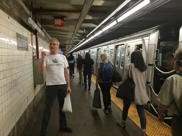Bernie Goetz says Donald Trump could do a better job than the MTA at getting the  Avenue A entrance built at the First Avenue L station. (Pictured) Goetz gestures to the long walk down from the platform's east end to First Avenue. (Photo by Sabina Mollot)