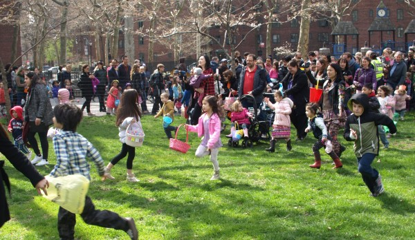 Stuyvesant Town's annual egg hunt and other Easter activities took place on Sunday. (Photos by Maria Rocha-Buschel)